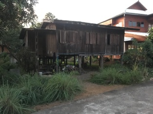 Lots of traditional stilted, teak houses in Chiang Muan